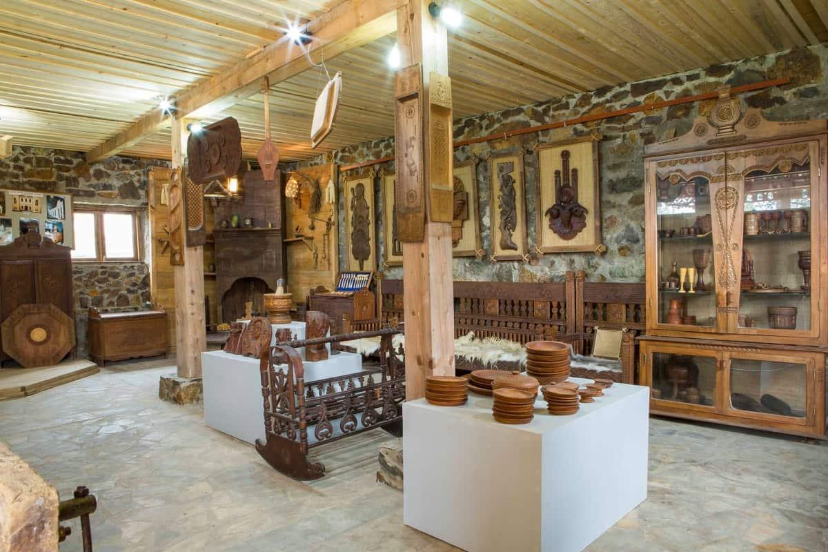"""زيارة المتحف الاثنوغرافي """"بورجالو """" في باتومي"""