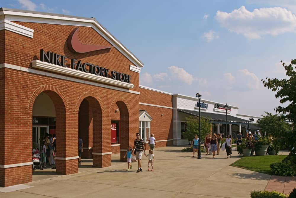 مجمع الاوتليتLeesburg Corner Premium Outlets