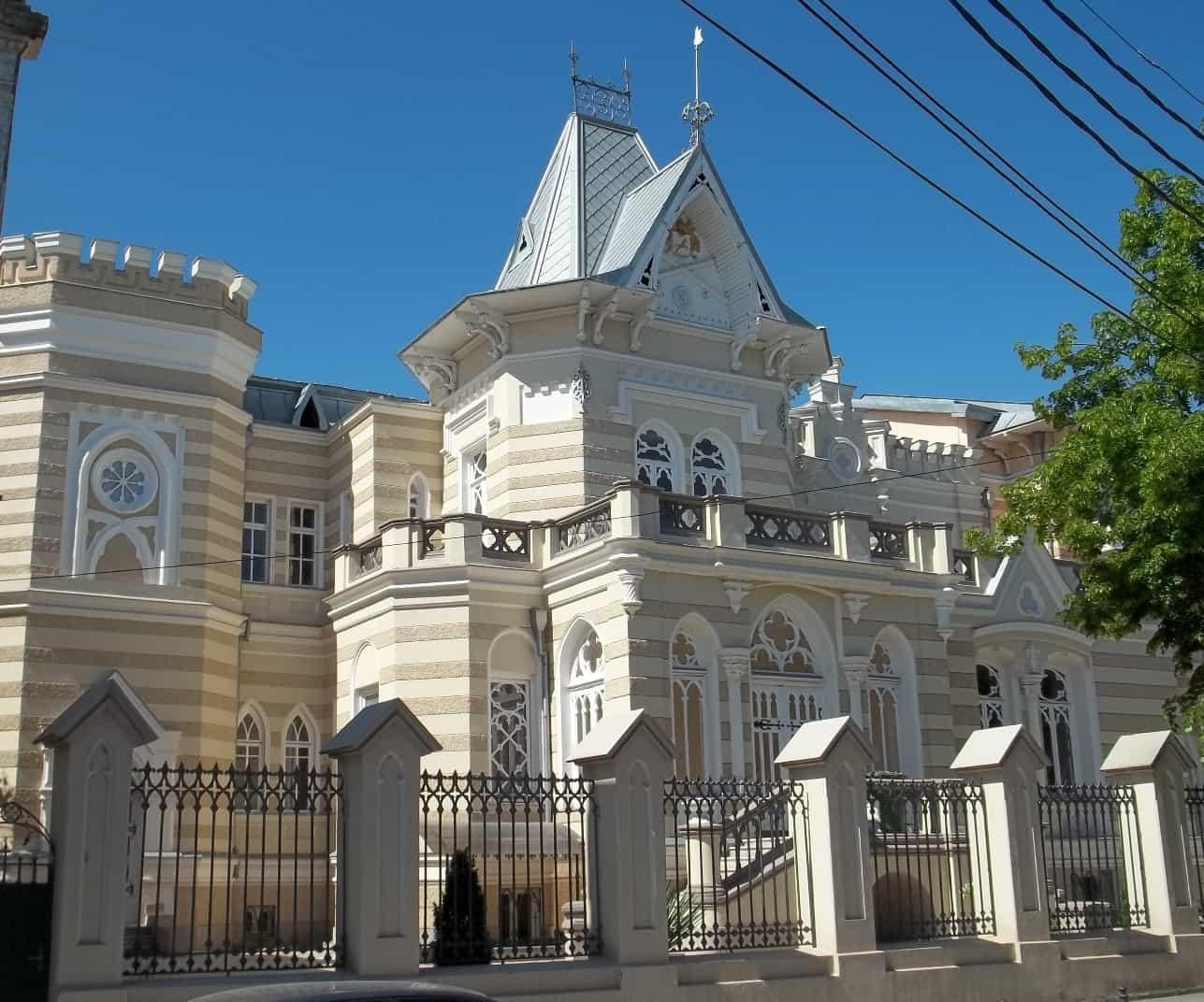 متحف الدولة للمسرح والموسيقى والسينما في تبليسي