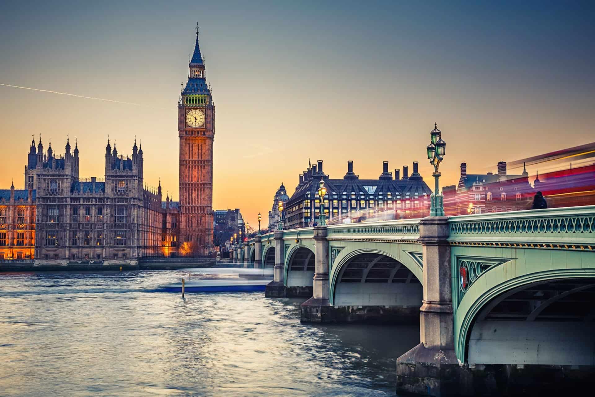 أين تقع بريطانيا وكيف يمكن السفر إليها