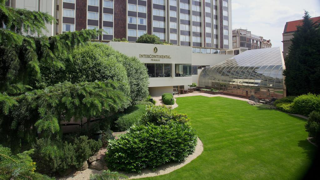 تقرير شامل عن فندق انتركونتيننتال براغ