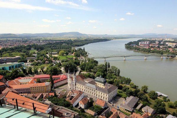 مدينة ازترغوم Esztergom City