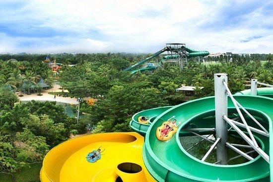 حديقة ووتر بوم المائية – اندونيسيا
