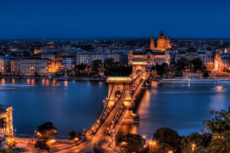 أكبر وأضخم دليل سياحي الى بودابست