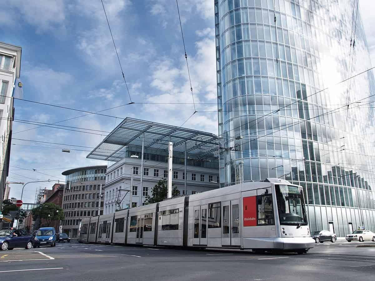 القطار في دوسلدورف