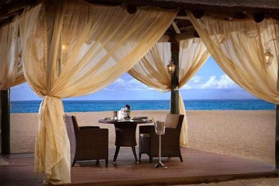 جلسات الشاطئ في فندق روتانا الفجيرة