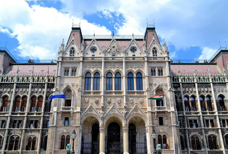 مبنى البرلمان في المجر