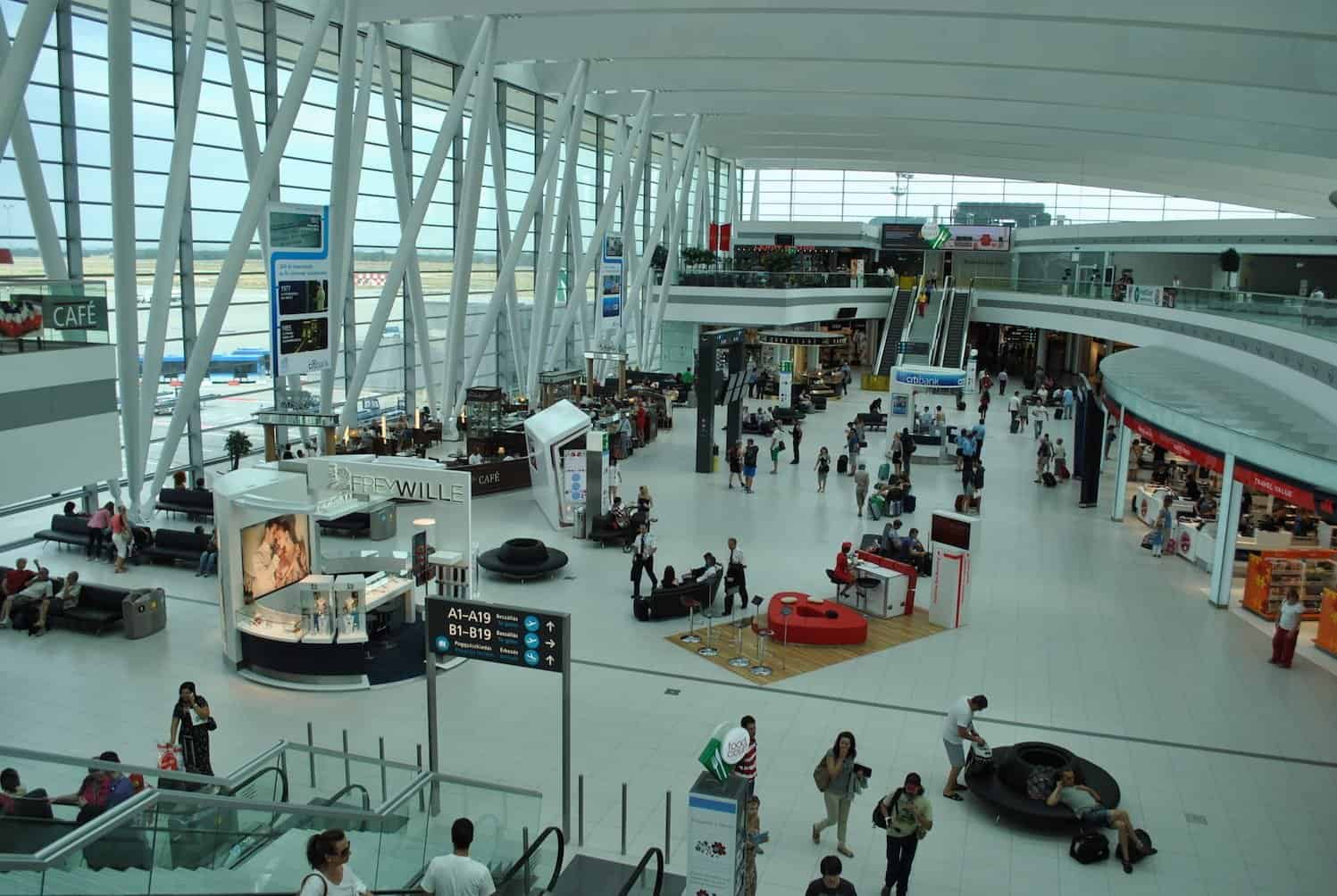 مطار بودابست الدولي