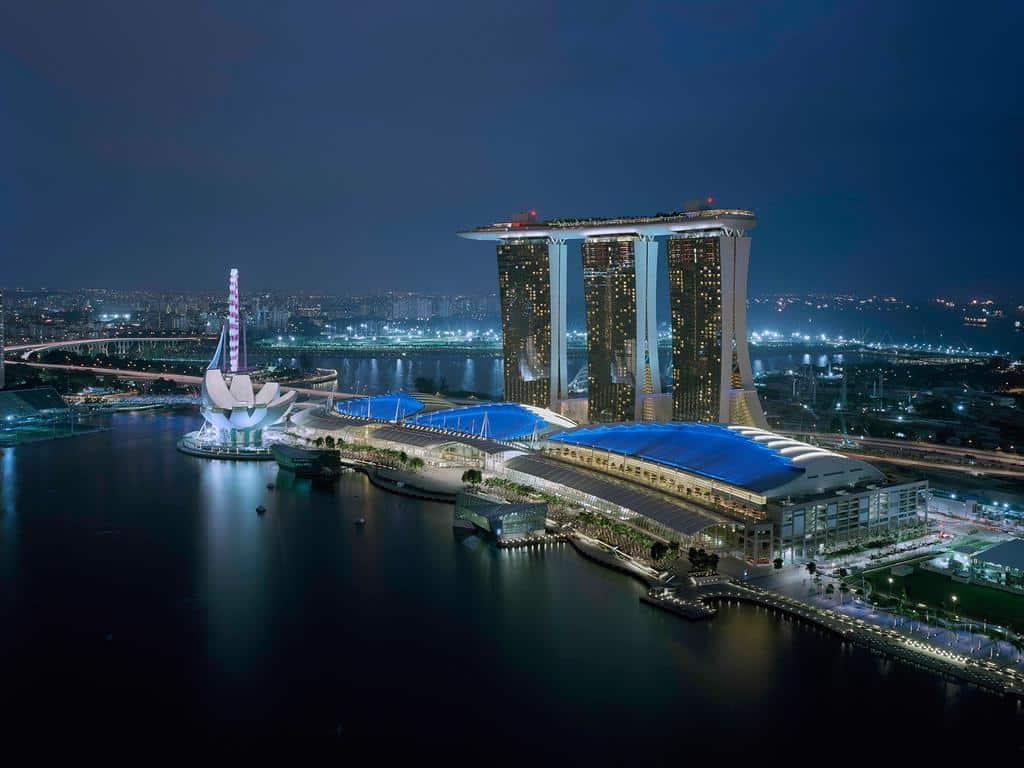 تقرير بالصور عن فندق مارينا باي ساندز سنغافورة