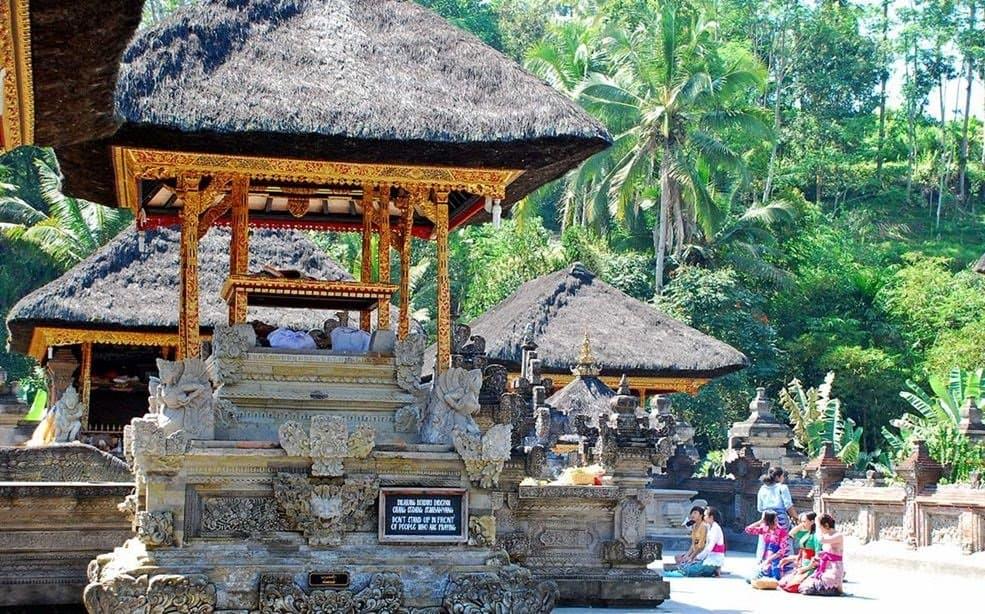 زيارة معبد تيرتا إمبول – جزيرة بالي