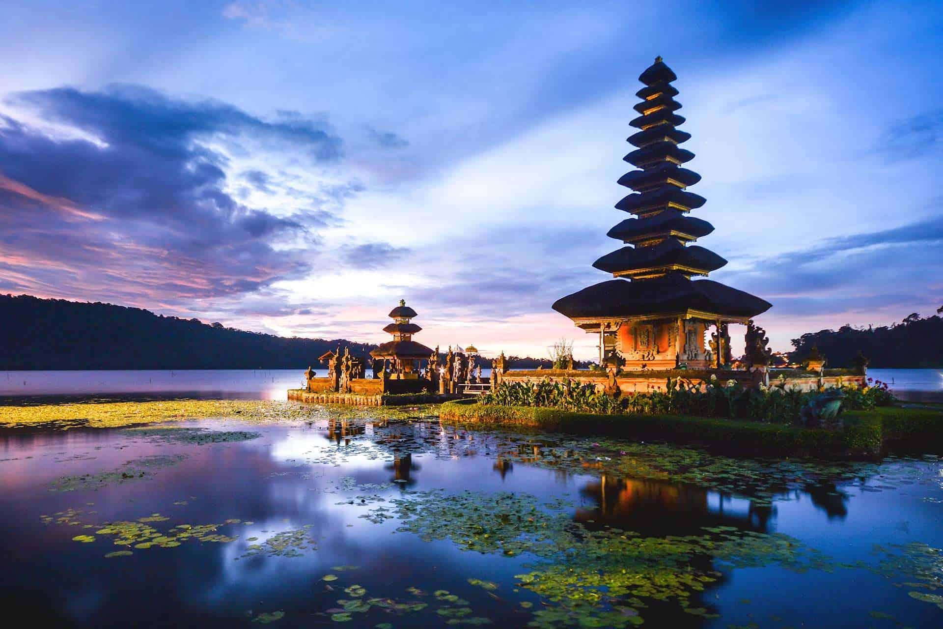 تقرير رحلتي الى اندونيسيا (جاكرتا – بالي – بونشاك)