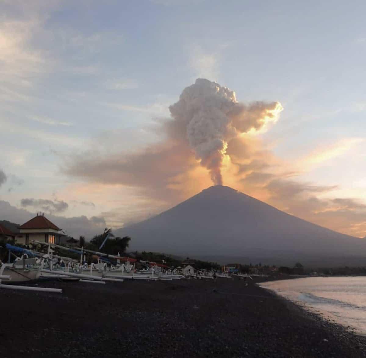 بركان وبحيرة باتور بالي