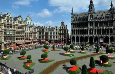 أين موقع بروكسل وما أهم المدن القريبة منها