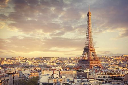 برج ايفل اين يقع في فرنسا