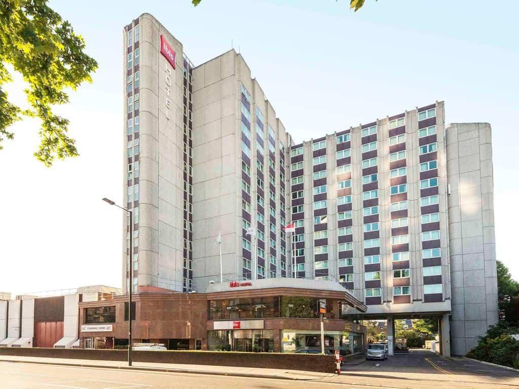 تقرير بالتفصيل عن سلسلة فندق ايبيس لندن