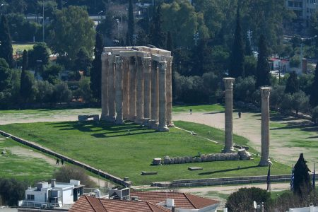 معبد زيوس الاولمبي اثينا اليونان معلومات رائعة