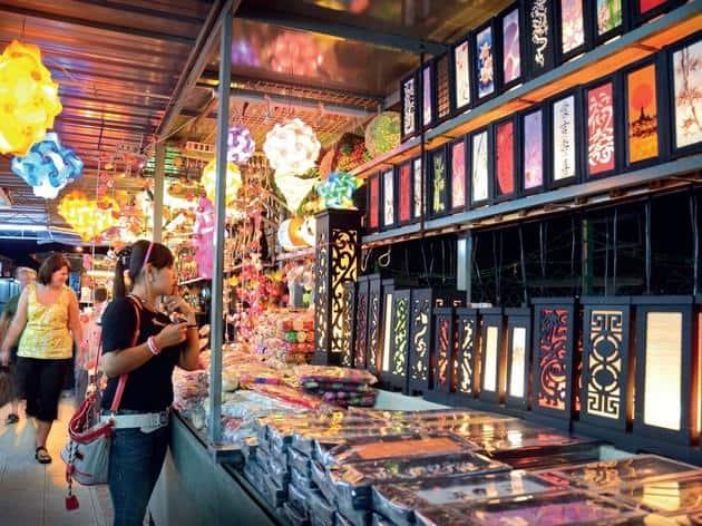 زيارة السوق الليلي في باتو فيرينغي – بينانج
