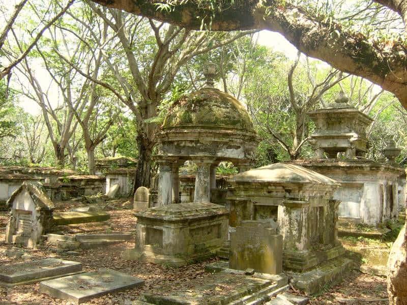 زيارة المقابر البروتستانتية القديمة – بينانج