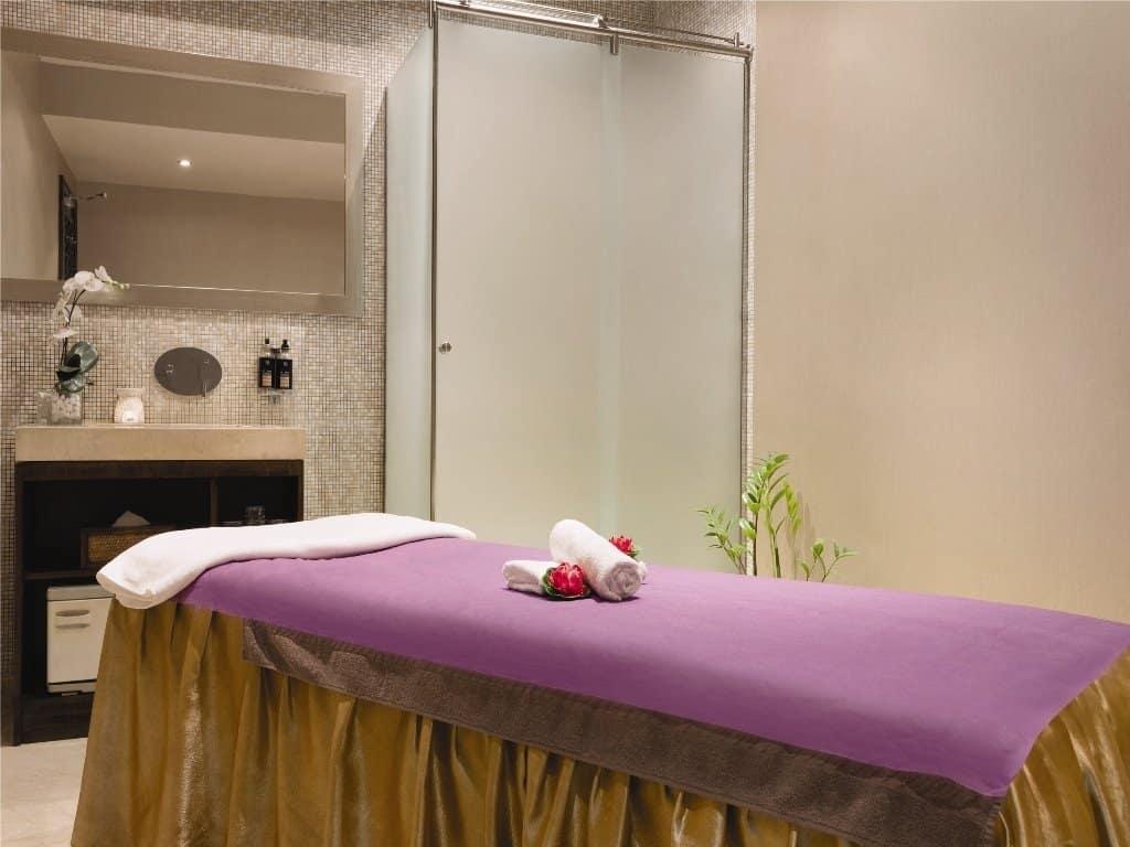 خدمات فندق داون تاون أبو ظبي