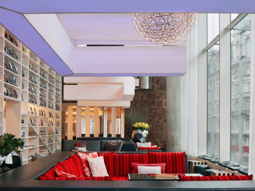 خدمات فندق دبليو لندن ليستر سكوير