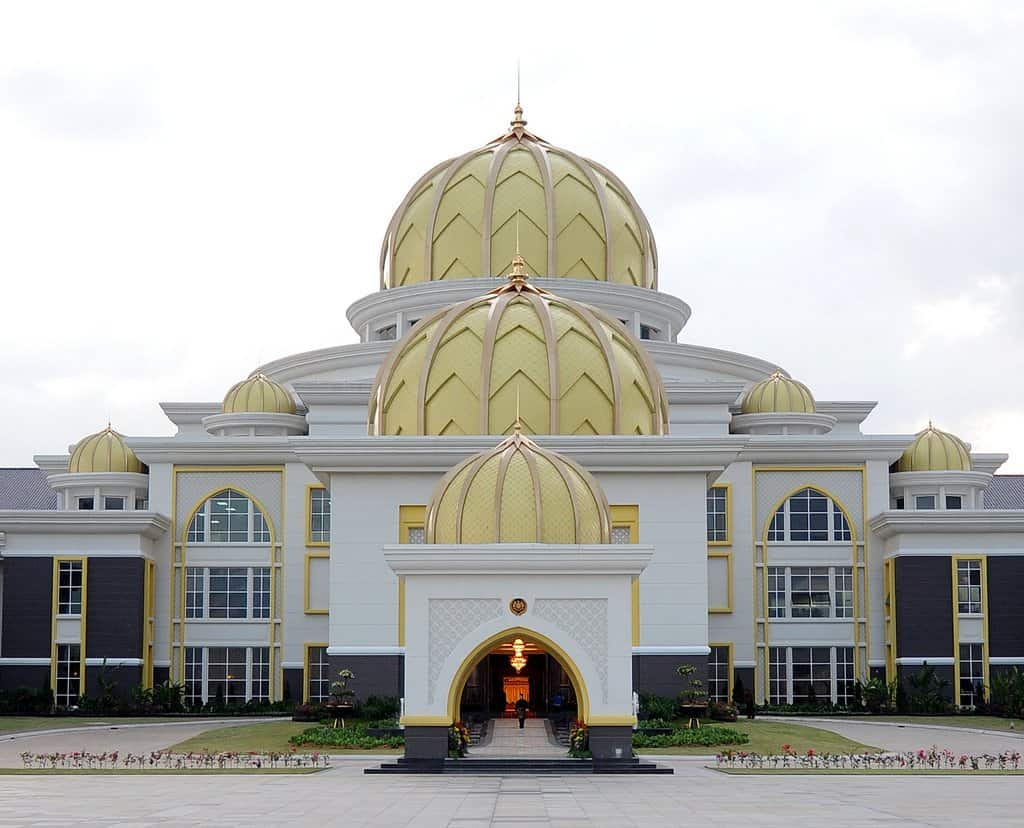 قصر إستانا نيجارا