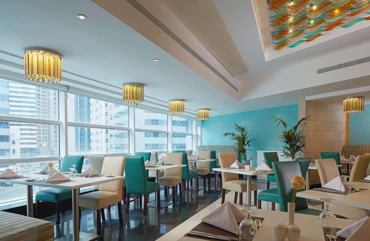 مطعم فندق جولدن توليب أبو ظبي