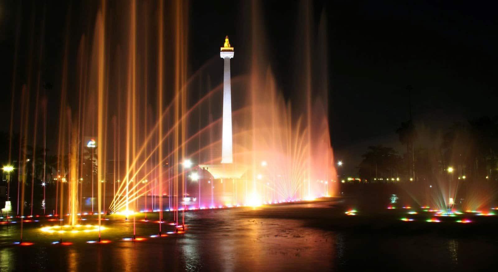 افضل 4 انشطة عند برج موناس جاكرتا اندونيسيا