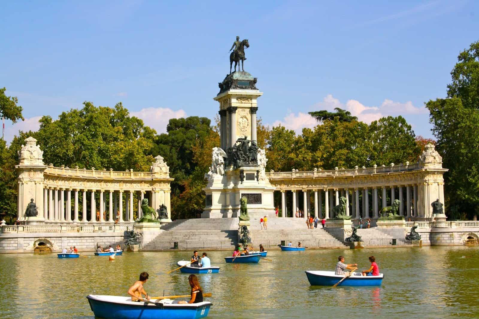 افضل 5 انشطة في حديقة ريتيرو مدريد اسبانيا