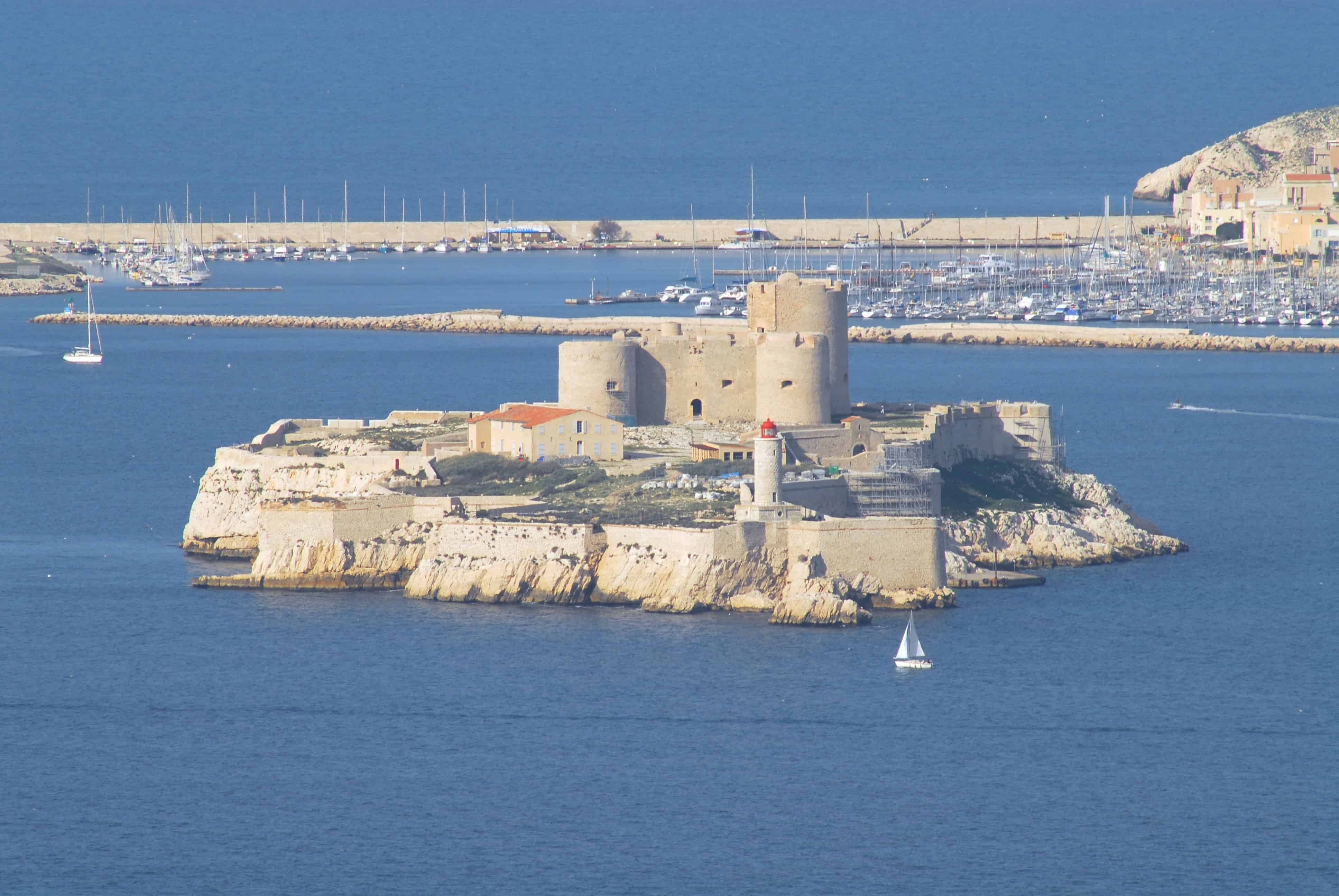 قلعة شاتو ديف