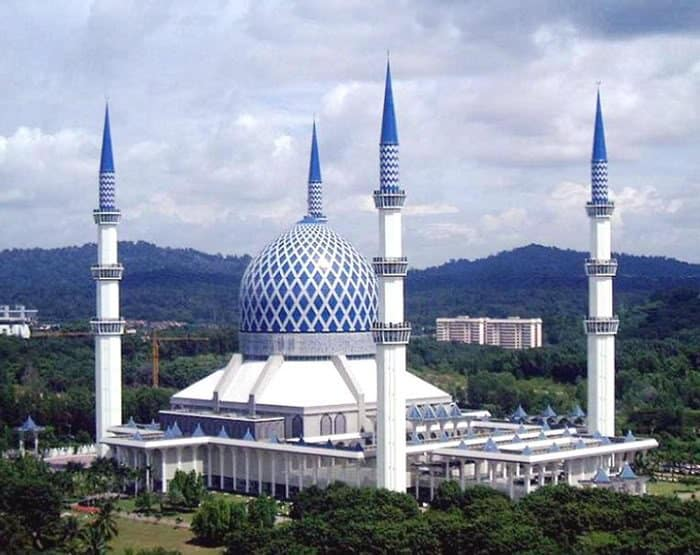 مسجد السلطان صلاح الدين عبد العزيز شاه – كوالالمبور