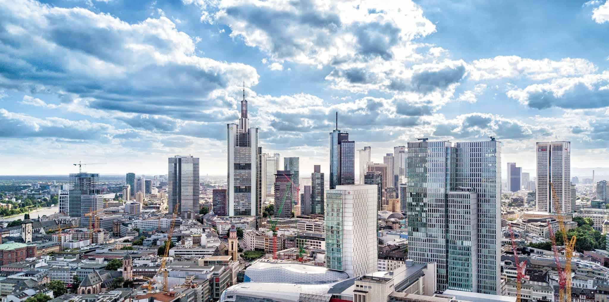 تقرير بالتفصيل عن فندق جميرا فرانكفورت المانيا