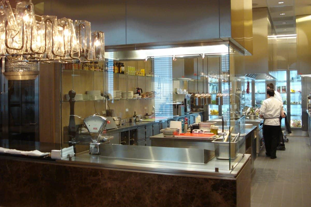 خدمات فندق جميرا فرانكفورت المانيا