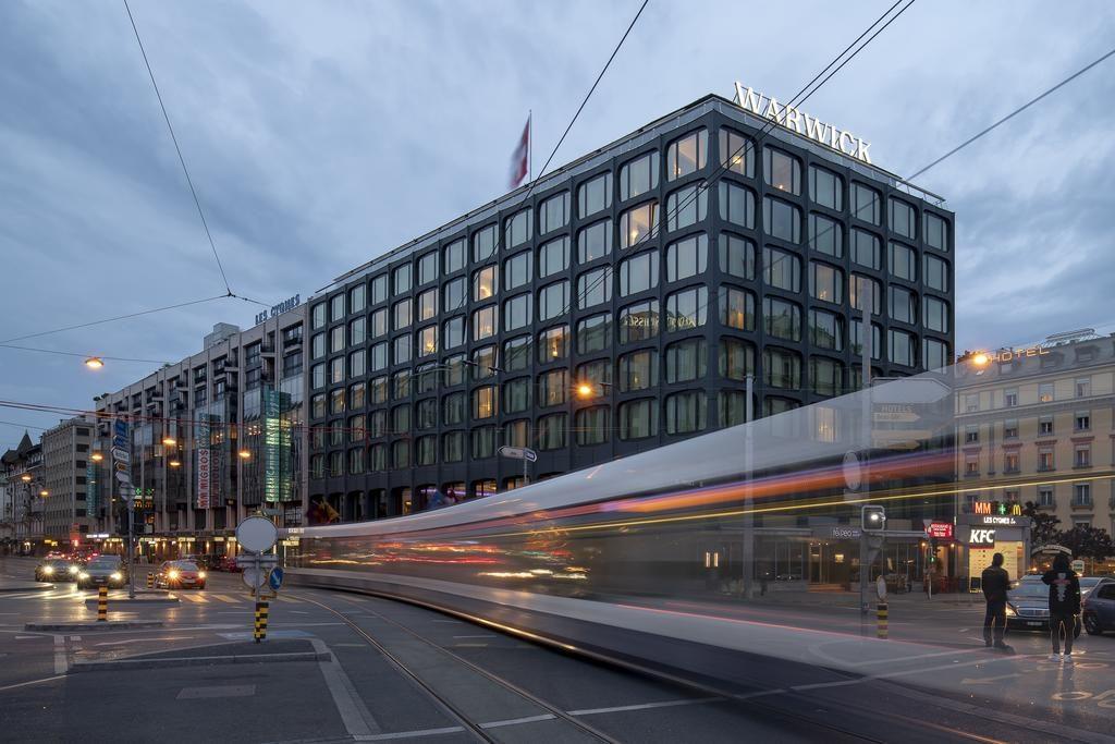 صورة لفندق وارويك احد اشهر فنادق جنيف