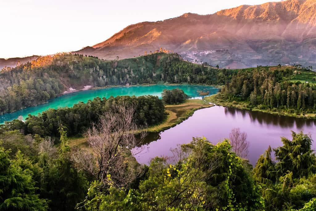 البحيرة الملونة اماكن سياحية في بونشاك