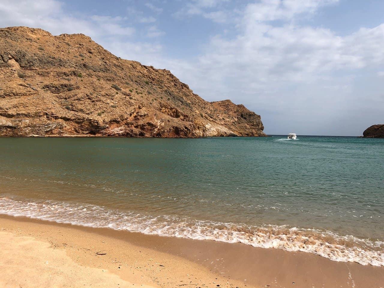 شاطئ البستان مسقط
