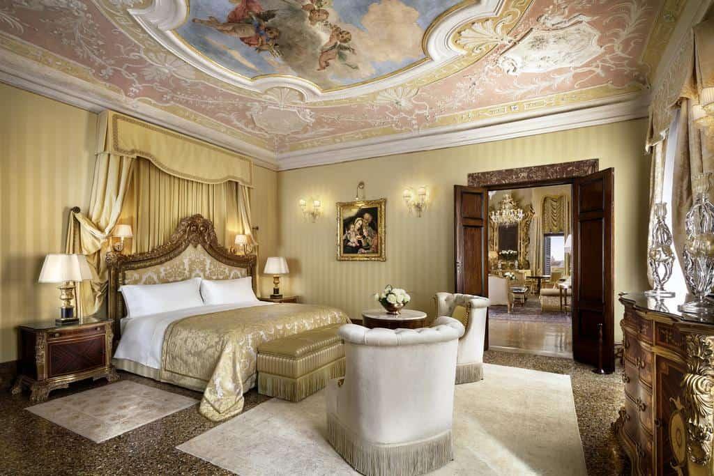 احدى غرف فندق دانييلي فينيسيا