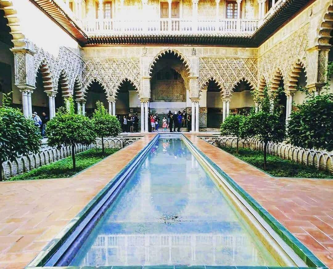 حديقة قصر المورق
