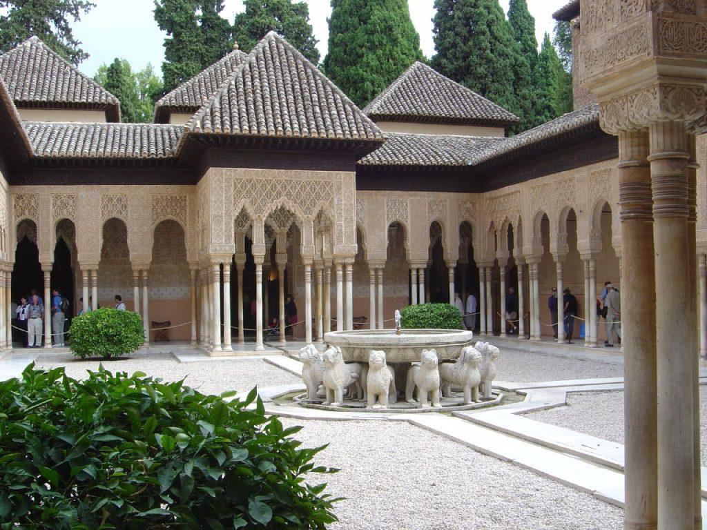 قصر الحمراء في غرناطة