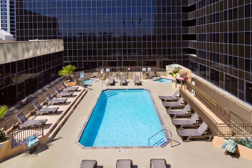 فندق هيلتون لوس انجليس ايربورت