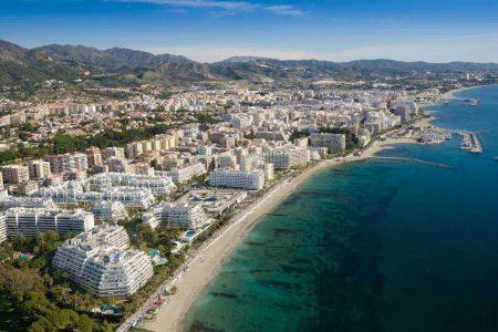 اين تقع ماربيا وما المسافات بينها وبين مدن اسبانيا