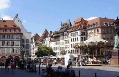 افضل 6 أنشطة في ساحة غوتنبرغ في ستراسبورغ فرنسا