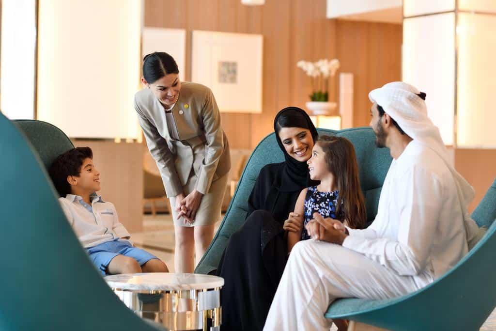 لوبي فندق هوليدي ان دبي فيستيفال سيتي