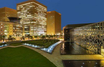 تقرير مميز عن سلسلة فندق كراون بلازا الرياض