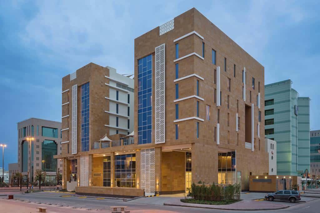 تقرير مفصل عن فندق كوبثورن الرياض
