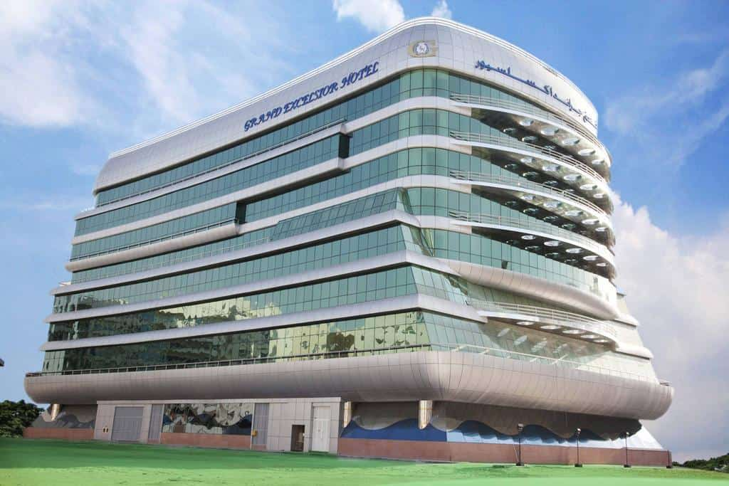 تقرير شامل عن فندق جراند اكسلسيور البرشاء دبي
