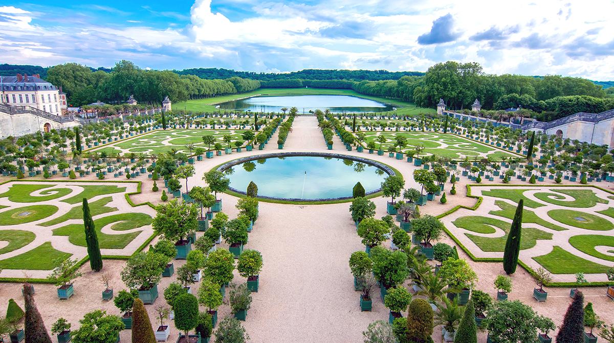 الاسترخاء في حدائق القصر