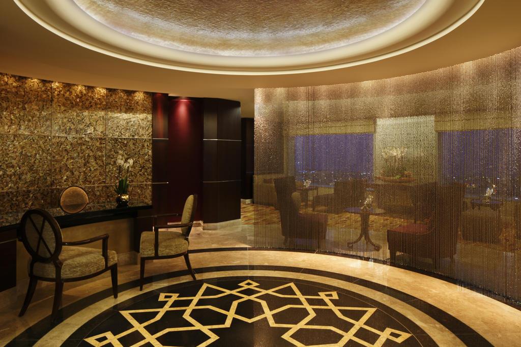 تقرير مفصل عن فندق جونراد دبي