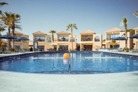 تقرير كامل عن فندق بالم بيتش دبي