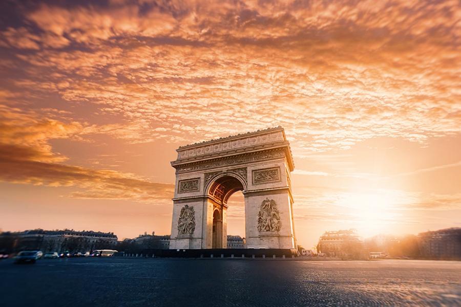 قوس النصر في باريس تقرير مع فيديو و صور