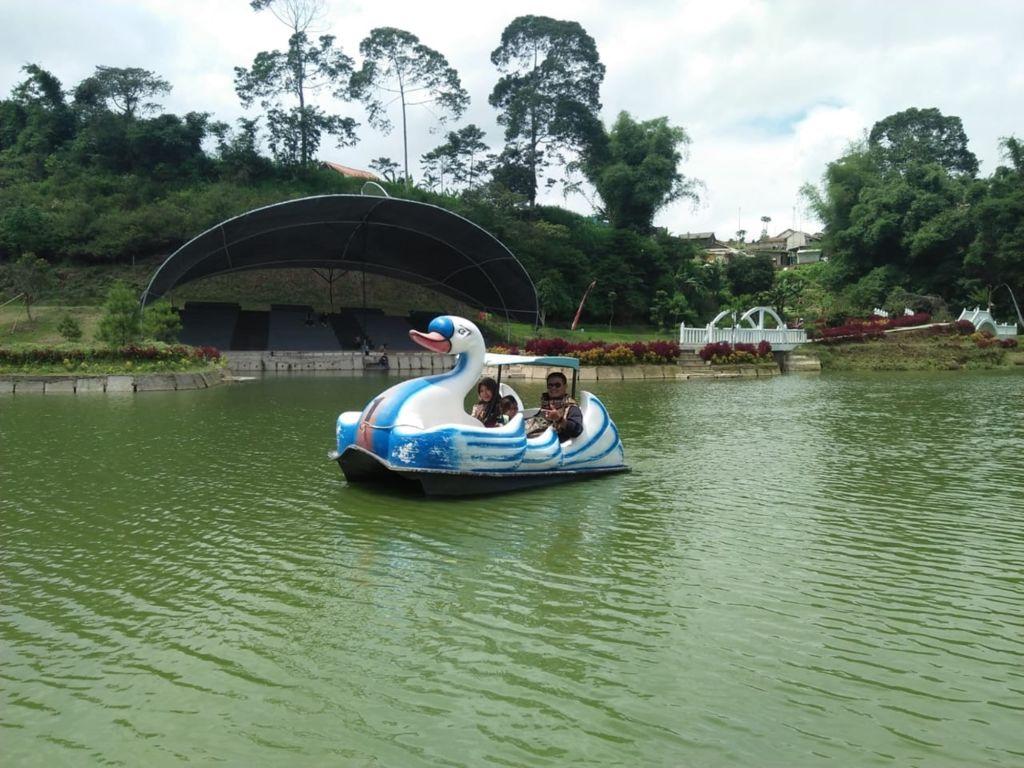 حديقة تامان لمبا ديواتا اندونيسيا